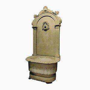 Fuente italiana antigua de piedra, década de 1700