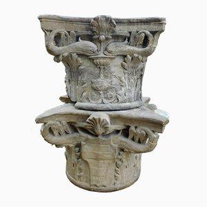 Antike Kapitellen aus Sandstein, 2er Set