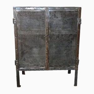 Antiker Metallschrank mit zwei Türen und perforiertem Blatt, 1920er