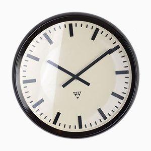 Reloj industrial grande de baquelita de Pragotron P42, años 60