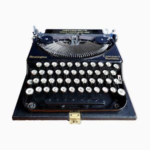Vintage Compact Portable Typewriter & Case from Remington, 1930s