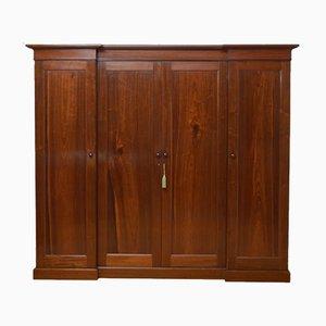 Frühgotischer Kleiderschrank mit 4 Türen