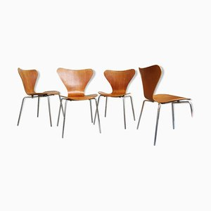Braune Holzstühle von Arne Jacobsen für Fritz Hansen, 1970er, 4er Set