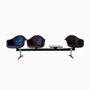 Vintage Tandem Sitzbank mit Schalensitzen von Charles & Ray Eames für Herman Miller, 1960er
