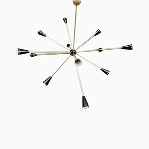 Lámpara de araña Sputnik italiana Mid-Century de latón de Stilnovo, años 50