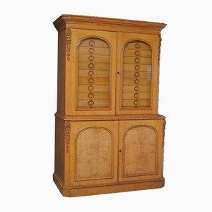 Viktorianischer gotischer Schrank aus Eichenholz