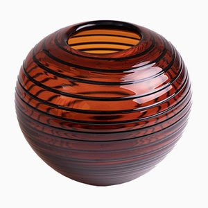 Bernsteinfarbene polnische Vintage Vase mit schwarzem Wirbelmuster von Tarnowiec Glassworks