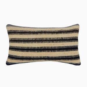 Funda de cojín lumbar natural con estampado Mudcloth africano de Vintage Pillow Store Contemporary