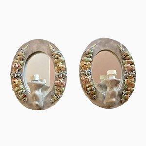 Apliques italianos con espejo y motivos florales de cerámica, años 40. Juego de 2