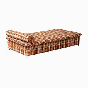 Sofá cama a cuadros con espacio para almacenamiento, años 60