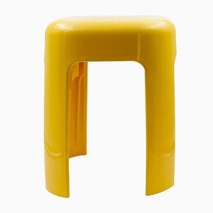 Sgabello in plastica gialla, anni '70