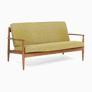 2-Sitzer Sofa mit grünem Wollbezug & Gestell aus Buche von Grete Jalk, 1960er