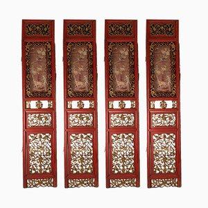 Biombo antiguo en rojo y dorado con cuatro paneles tallados