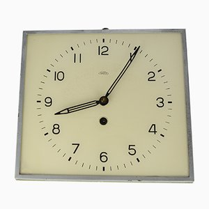 Horloge Murale Mécanique Moderniste Tchécoslovaque de PRIM, 1930s