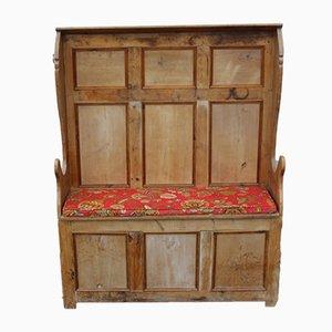 Armario de pino con baúl de almacenamiento, años 10