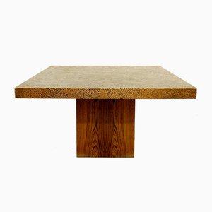 Mesa de centro vintage cuadrada con el tablero tallado