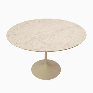Round Dining Table by Eero Saarinen for Knoll International, 1970s