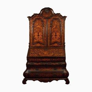 Antiker Nussholzschrank mit Intarsien