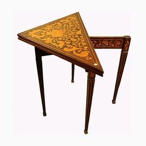 Mesa de juegos antigua triangular de caoba