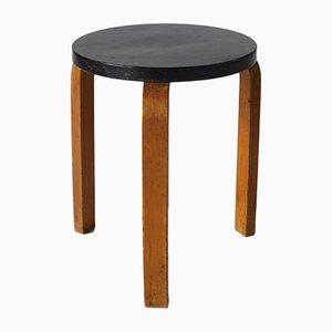Taburete apilable modelo 60 de Alvar Aalto, años 30