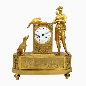 Reloj de péndulo francés de bronce dorado, siglo XVIII