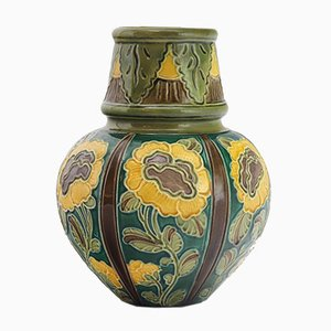 Antike Jugendstil Vase mit Linienmuster von Burmantofts, 1890er
