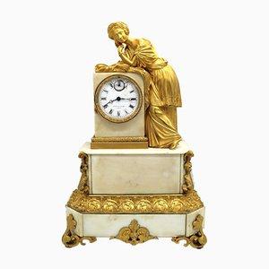Reloj de péndulo francés Louis Philippe de bronce dorado y mármol, siglo XIX