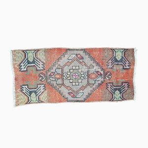 Kleiner türkischer Vintage Oushak Yastik Teppich, 1970er