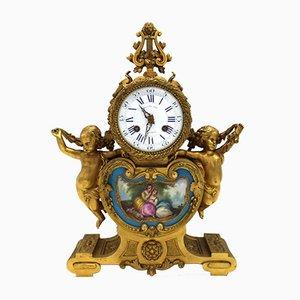 Antike Louis Philippe Pendeluhr aus vergoldeter Bronze & Sevres-Porzellan