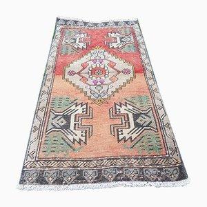Kleiner türkischer Vintage Yastik Teppich mit niedrigem Flor, 1970er