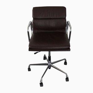 Chaise de Bureau EA 217 en Aluminium et Cuir par Charles & Ray Eames pour Vitra, 2000s