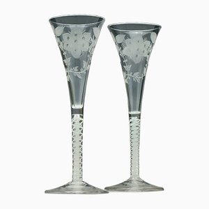 Bicchieri da vino Jacobite antichi in vetro opaco, metà XVIII secolo, set di 2