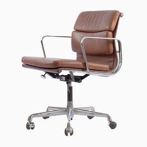 Sedia da scrivania EA217 in metallo cromato e pelle anilina di Charles & Ray Eames per Herman Miller, Germania, 1978