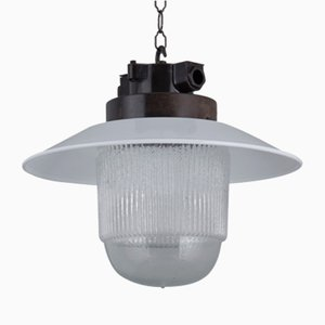 Lámpara de techo industrial de vidrio y baquelita, años 60