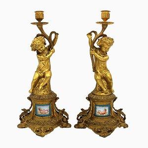 Antike französische Napoleon III Kerzenhalter aus vergoldeter Bronze & Porzellan, 2er Set