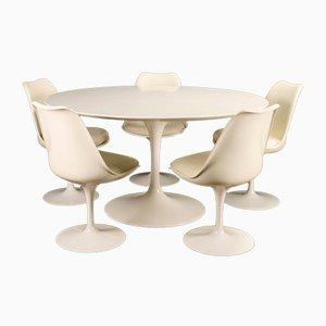 Sillas de comedor Tulip y mesa de Eero Saarinen para Knoll International, años 60