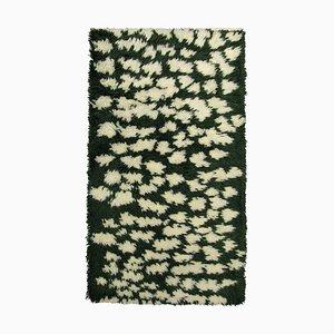 Tappeto Hilla in lana verde di Marianne Huotari per Finarte