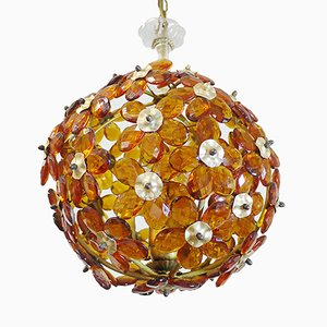 Lámpara de araña francesa Mid-Century con flores de vidrio moldeado en ámbar de Maison Baguès, años 60