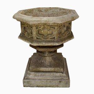 Urnas de jardín Mid-Century góticas de piedra