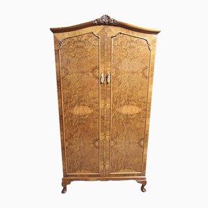 Armario estilo Queen Anne de madera nudosa de nogal, años 20