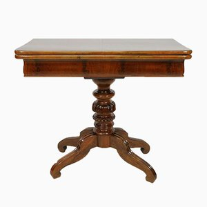 Mesa de juegos antigua de caoba