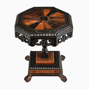Antiker Oktogonaler Beistelltisch aus Ebenholz und Dekorativer Miniatur aus Holz