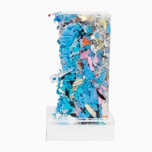 Escultura Briani de resina y basura comprimida de Charles Osawa, 2017