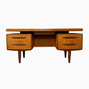Schreibtisch von Victor Wilkins für G-Plan, 1960er