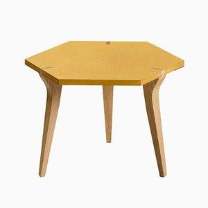 Mesa baja Tabuli en amarillo de Vincenzo Castellana para DESINE, 2018