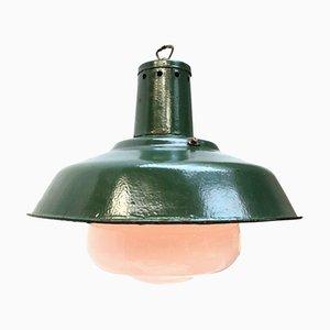 Lampe à Suspension Industrielle Vintage en Émail Vert et Verre Opalin, 1950s