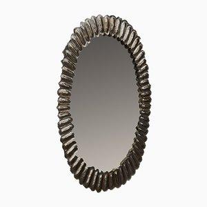 Espejo de pared ovalado de latón y cristal de Murano, años 50