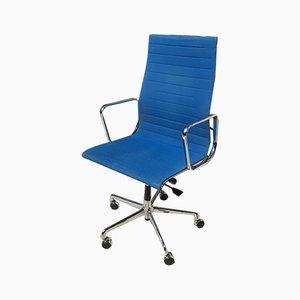 Sedia da scrivania EA119 di Charles & Ray Eames per Vitra, anni '90