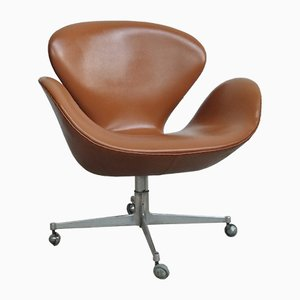 Vintage Danish Model 3323 Desk Chair by Arne Jacobsen for Fritz Hansen, 1968
