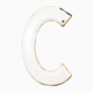 Letra C industrial vintage esmaltada